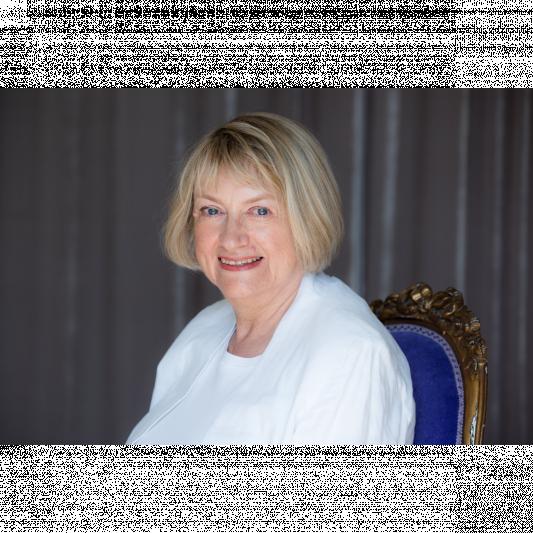 Evonne Wareham novelist.